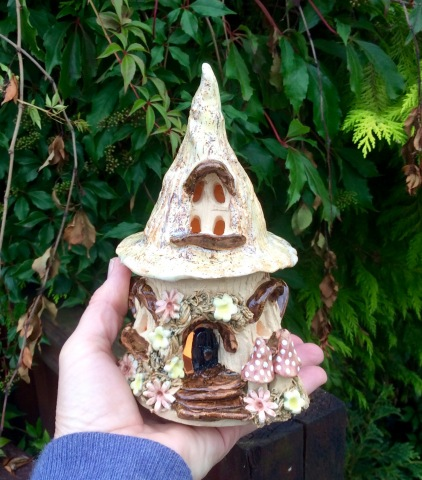 Fairy House - Tealight holder - pointed toadstool design